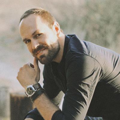 Alpha Universe Author Mike  Colón